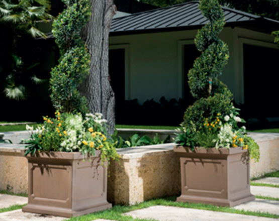 estate_square_planters